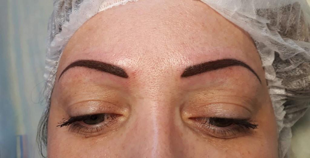 аппаратный перманентный макияж бровей