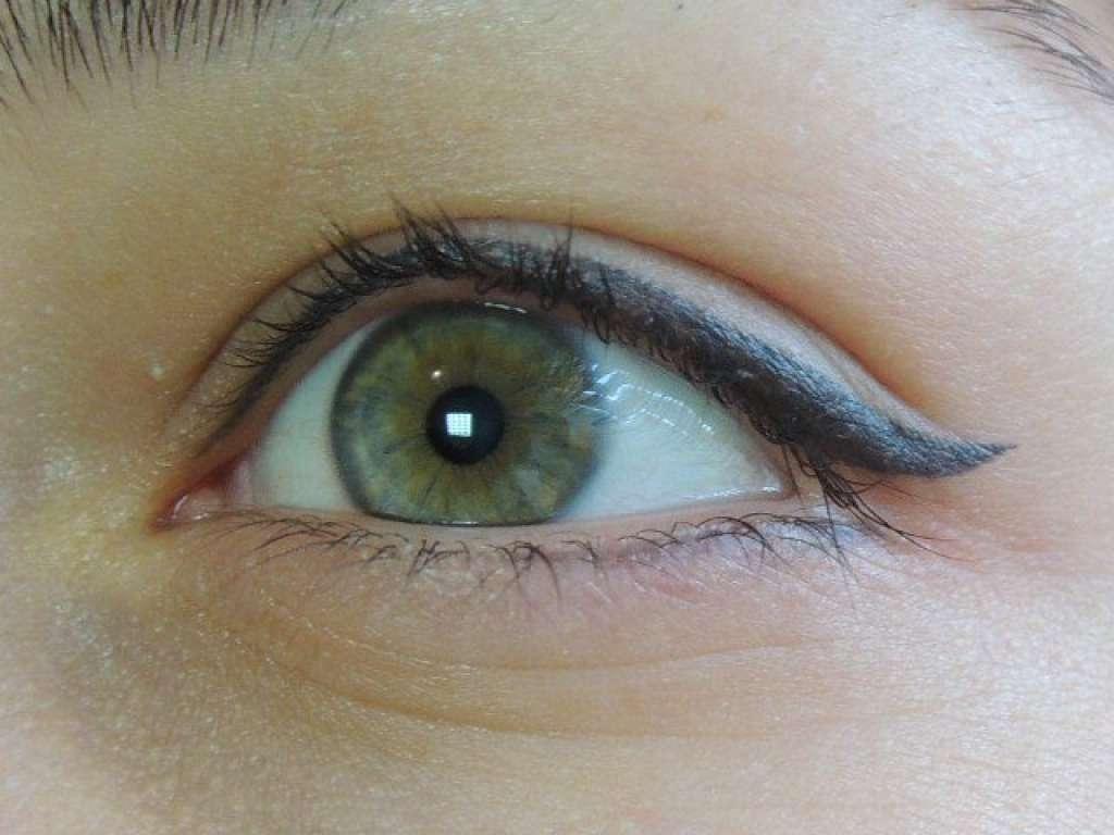 Почему черные глаза на фото получаются серыми тропики это