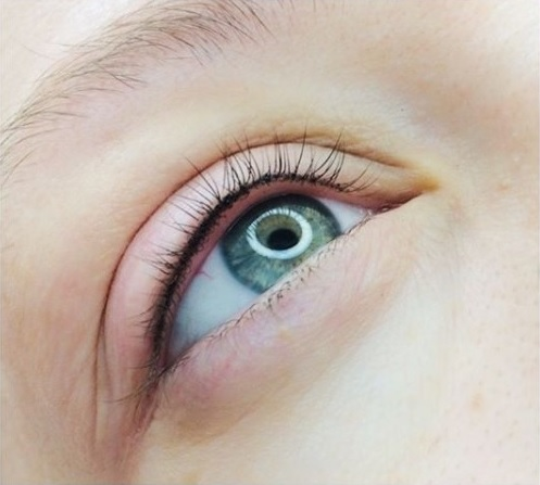Коррекция перманентного макияжа век